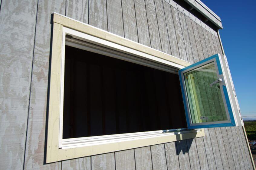 6ft x 3ft accordion window